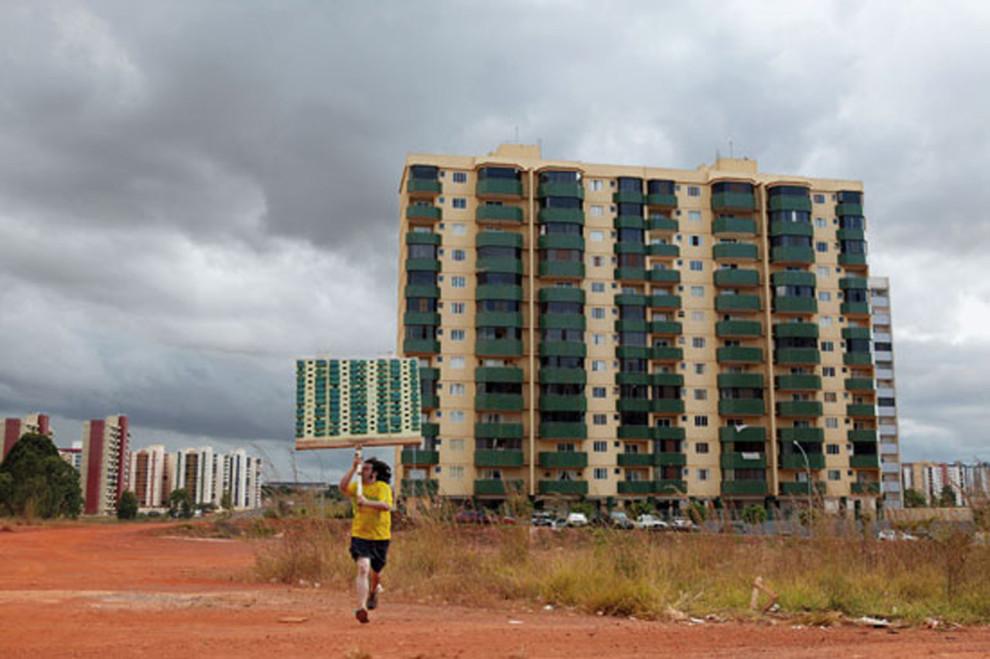 Anarchitekton, Brasilia, 2003 © Jordi Colomer