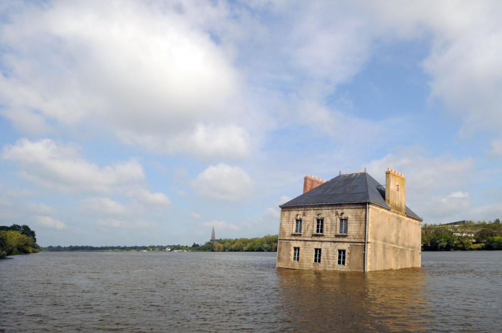 La Maison dans la Loire, Couëron, Jean-Luc Courcoult, Estuaire, 2007  © B. Renoux / Le Voyage à Nantes