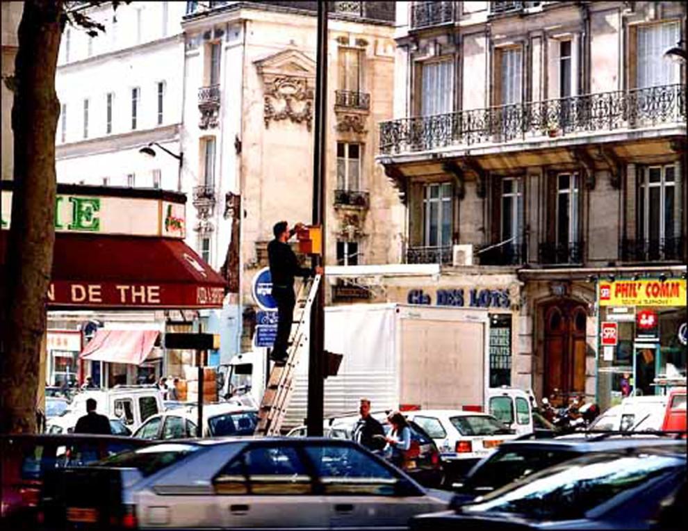 Needs, Paris, 2001 © Didier Courbot - Courtesy Galerie Nelson