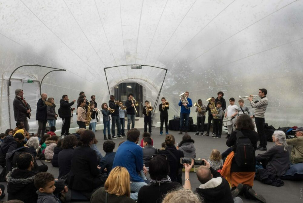 Concert de la classe orchestre de l'école Guillevic du Conservatoire de Rennes sous la Bulle d'Air du Collectif de la Meute