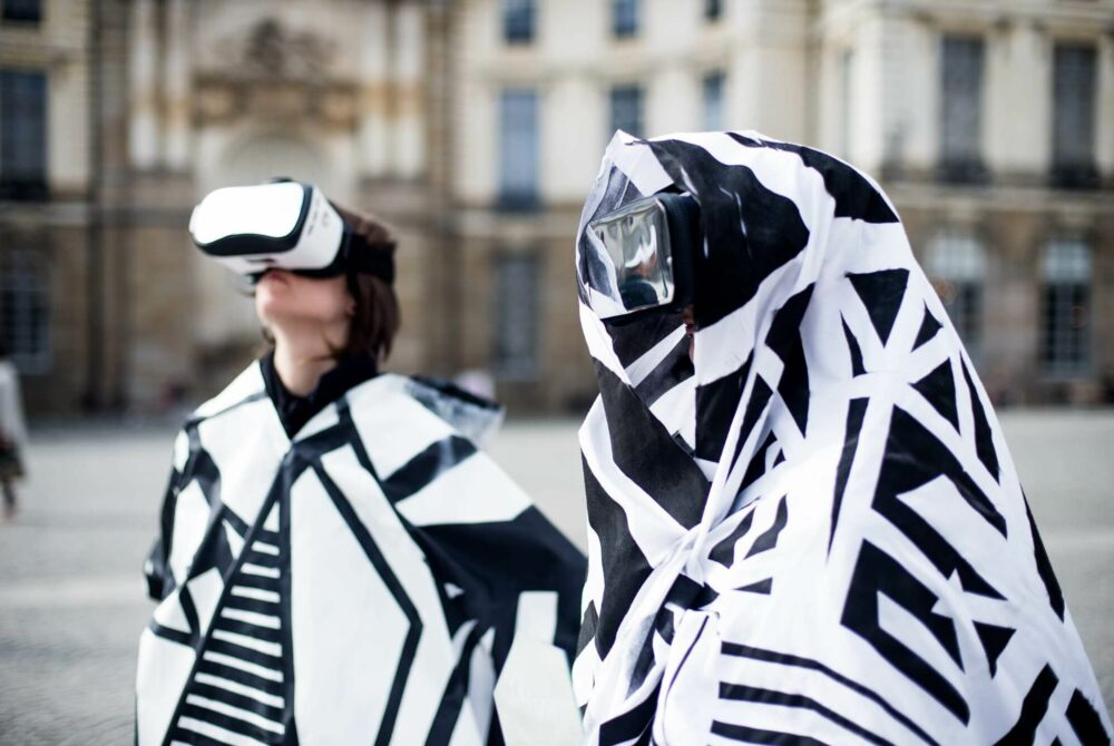 L'homme gris et La Stratégie du grotesque / Thomas Lasbouygues - coproduction Ateliers du vent